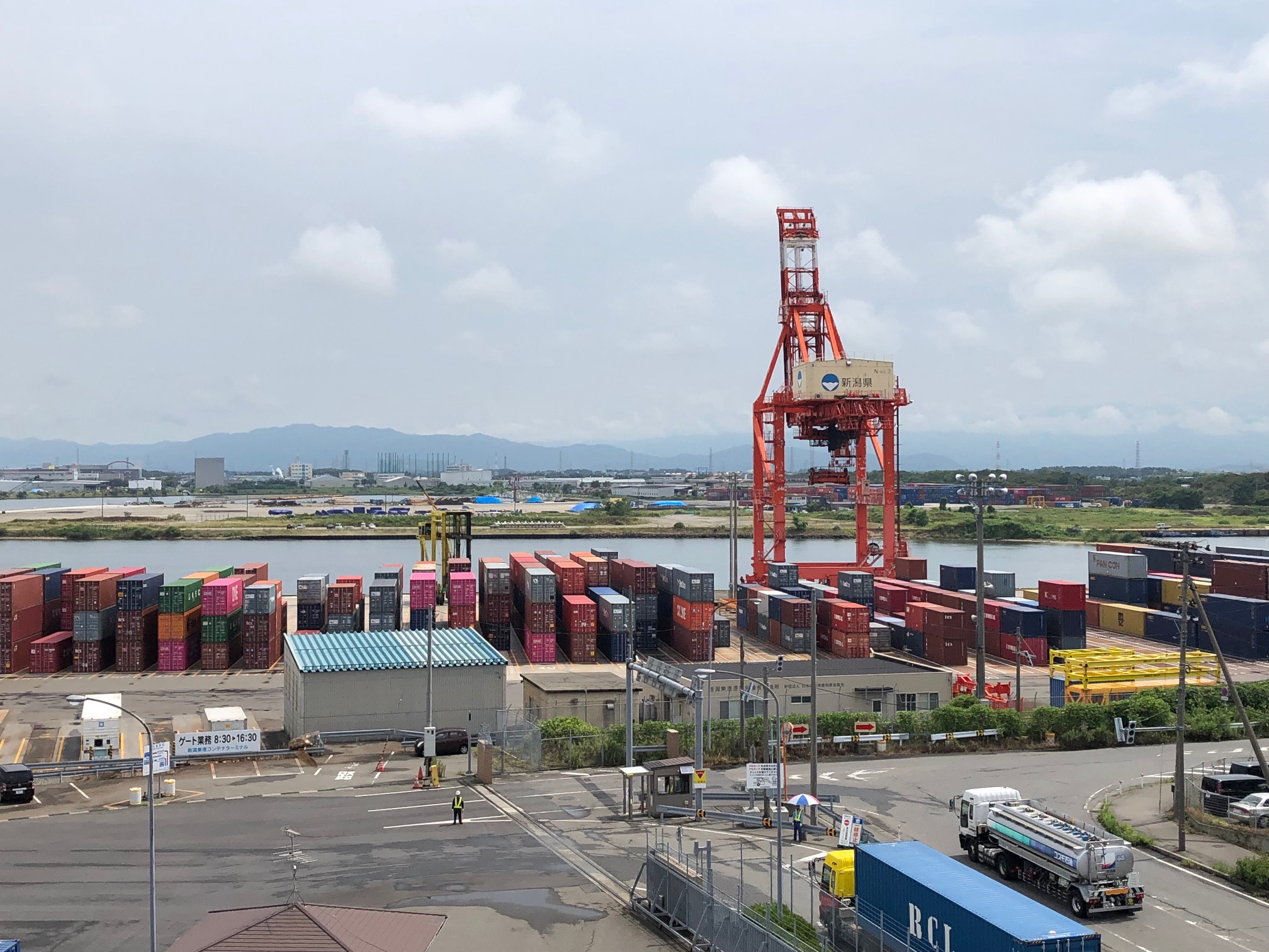 新潟港から世界へ